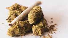 Joint Rollin Weed Smock Natural Medical