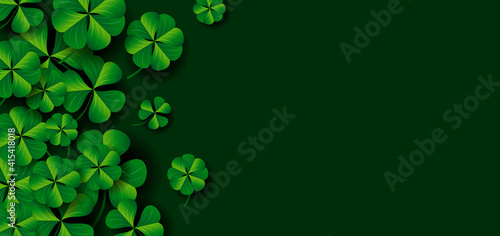Stampa su Tela Patrick's day banner design of clover leaves on green background vector illustra
