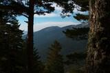 krajobraz góry drzewa las niebo chmury