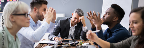 Valokuva Business People Arguing In Meeting