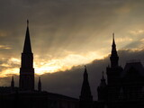 Fototapeta Londyn - Sylwetka Kremlu na tle zachodu słońca, Moskwa, Rosja