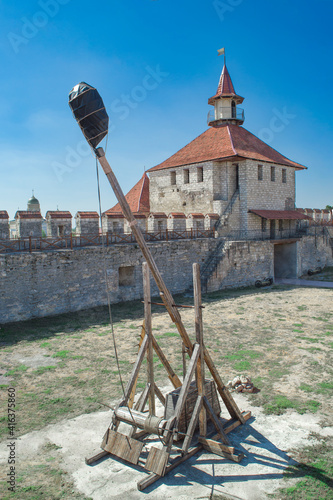 Reconstruction of an old wooden catapult for throwing stones Fototapet