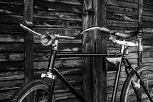Old Antique Vintage Bicycle - Vintage Effect Style Pictures