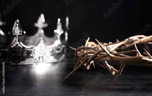 Kings Crown and the Crown of Thorns Fototapeta
