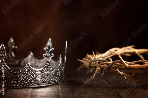 Canvas Kings Crown and the Crown of Thorns