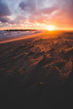 中田島砂丘を照らす美しい夕日