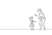 Single Continuous Line Drawing Of Young Mom Giving Talk Some Good Advice To Her Daughter At Home. Communication Concept. Happy Family Parenting. Trendy One Line Draw Design Vector Graphic Illustration