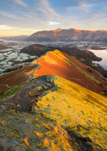 Beautiful Autumn Colours On Lake District Popular Mountain; Catbells, Overlooking Derwentwater And Skiddaw On A Winter Morning.