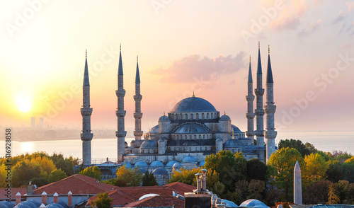 Foto The Blue Mosque or Sultan Ahmet Mosque at sunset, Istanbul, Turkey
