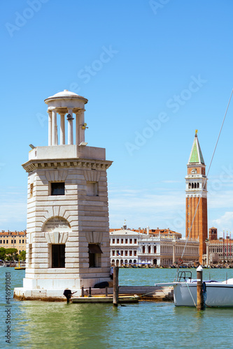 Fotomural photo with lighthouse, saint marks campanile and grand canal