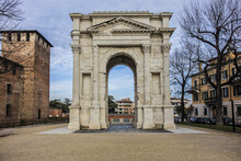 The Arco Dei Gavi Is A Monumental Roman Architecture Of Verona, Erected Around Middle Of First Century Along Via Postumia Just Outside The Walls Of The Roman City. Verona, Italy.