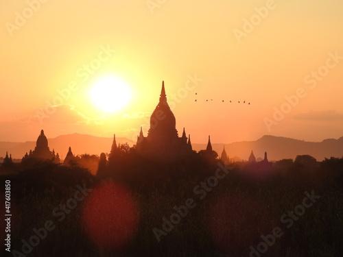 Foto Pagodas field at sunset Bagan , Myanmar
