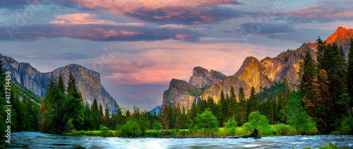 Photo Yosemite Valley in spring time