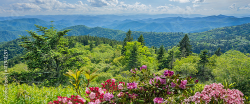 Obraz na plátně A panoramic view of the Smoky Mountains from the Blue Ridge Parkway in North Carolina