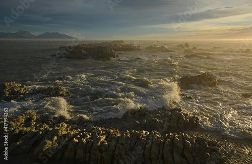 Obraz na płótnie Kaikoura Rocks Whirlpools & Gannet Colony at Dawn