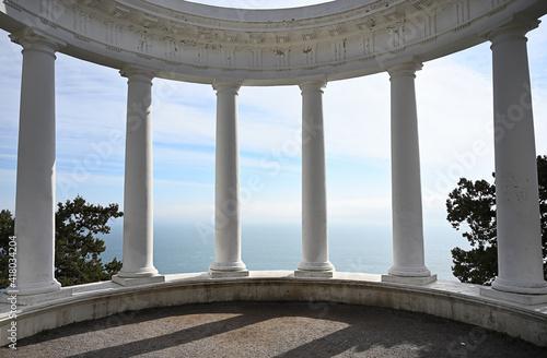 Fotografiet Old colonnade on the Tsars path in Yalta. Crimea, Russia