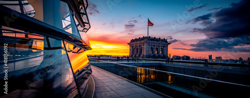 Obraz na plátně Panoramic view of Reichstag building at sunset
