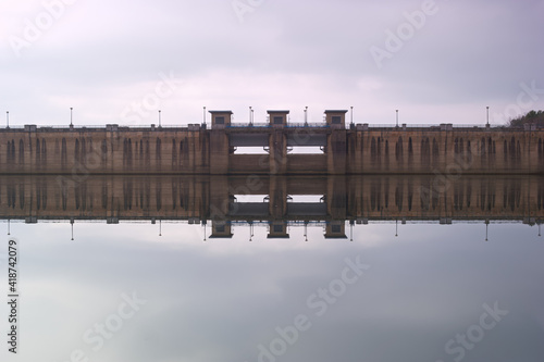 Fototapeta jezioro woda góry niebo chmury obraz