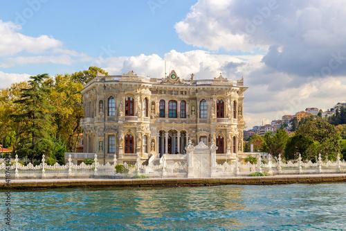 Kucuksu Pavilion seen from the Bosphorus in Istanbul, Turkey Fototapet