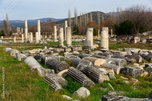 Billede på lærred Remains of Ionic colonnades in ancient Hellenistic city of Aphrodisias, Aydin pr