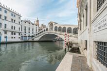 View Of The Rialto Bridge Over The Grand Canal, Venice, Italy.