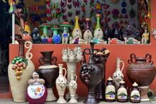 Artesanias Hechas A Mano, En El Pequeño Pueblo De San Juan De Oriente, Cerca De La Ciudad De Granada, En El Oeste De Nicaragua