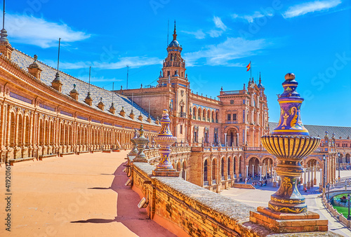 Canvas The upper balustrade on the gallery on Plaza de Espana in Seville