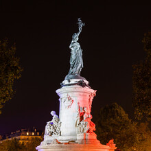 France, Ile-de-France, Paris, Monument A LaÔøΩRepubliqueÔøΩat PlaceÔøΩdeÔøΩlaÔøΩRepubliqueÔøΩsquare At Night
