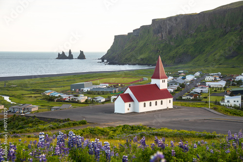 Fototapeta View of the coastal town of Vik in Iceland on a summer evening obraz