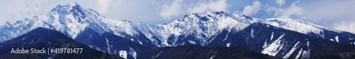 Photographie 早春の山梨県北杜市 八ヶ岳牧場からの残雪の八ヶ岳