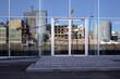 canvas print picture - spiegelung hafengebäude