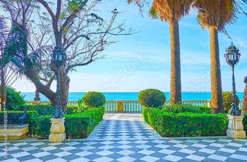 Canvas Print The oceanside gardens of Cadiz, Spain