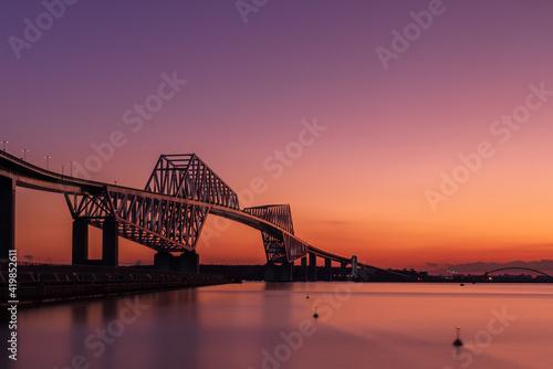 夕日と橋 Fototapet
