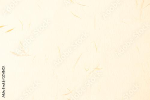 Foto 薄黄色の和紙。日本の伝統。