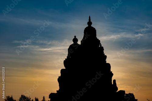 Fototapeta Silhouette Effect Of Shore temple built by Pallavas is UNESCO World Heritage Sit