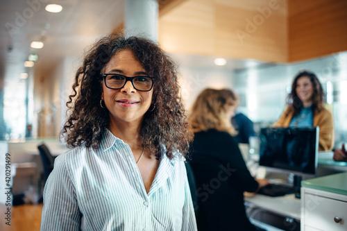 Portrait of a confident businesswoman Fototapet