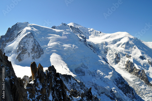 Fotografie, Obraz Panorama of pointed Italian and French dolomites with lots of snow