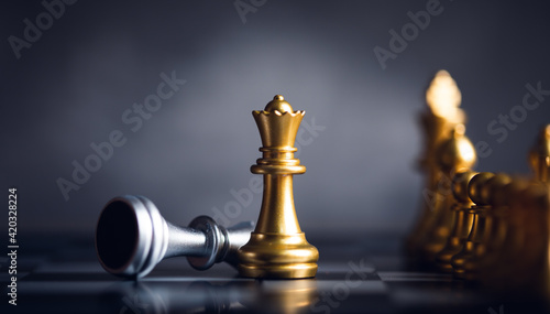Fototapeta  chess piece stand in front of pawn obraz