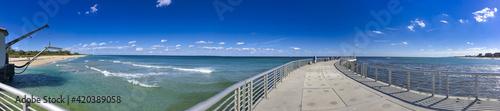 Foto Beautiful beach and pier along the Ocean Inlet Park, Boynton Beach, Florida