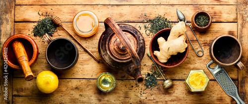 Obraz na plátně Healing tea with ginger