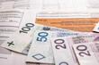 Formularz, zeznanie podatkowe. Banknoty