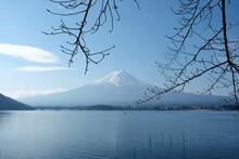 Lake Kawaguchi With Moutain Fuji In Winter
