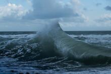Waves Smash