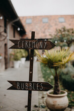 Wedding Sign To Ceremony And Bubbles