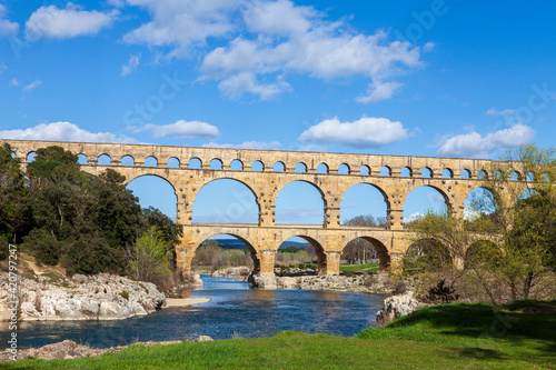 Foto famous roman acqueduct in the south of France