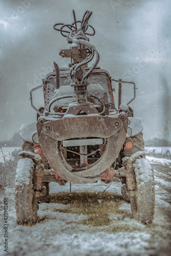 Fototapety, obrazy: tractor in the snow