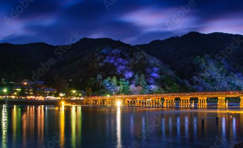 Fotografie, Tablou 京都嵐山の渡月橋のライトアップ