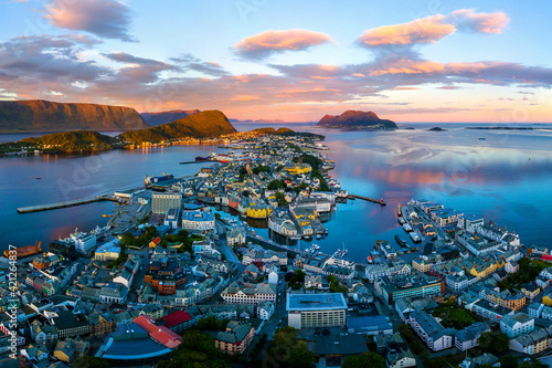 Cuadros en Lienzo Aerial view of Alesund, Norway at sunset