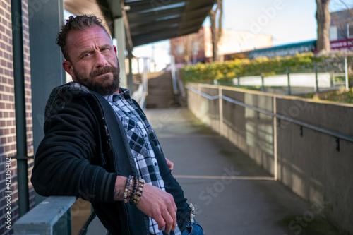 Fototapeta 穏やかな表情の中年男性 obraz
