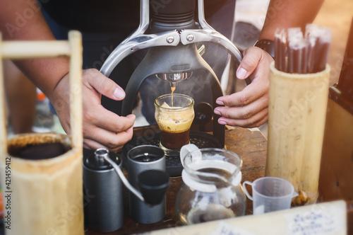 Fototapeta Handmade Rok coffee maker espresso shot. obraz
